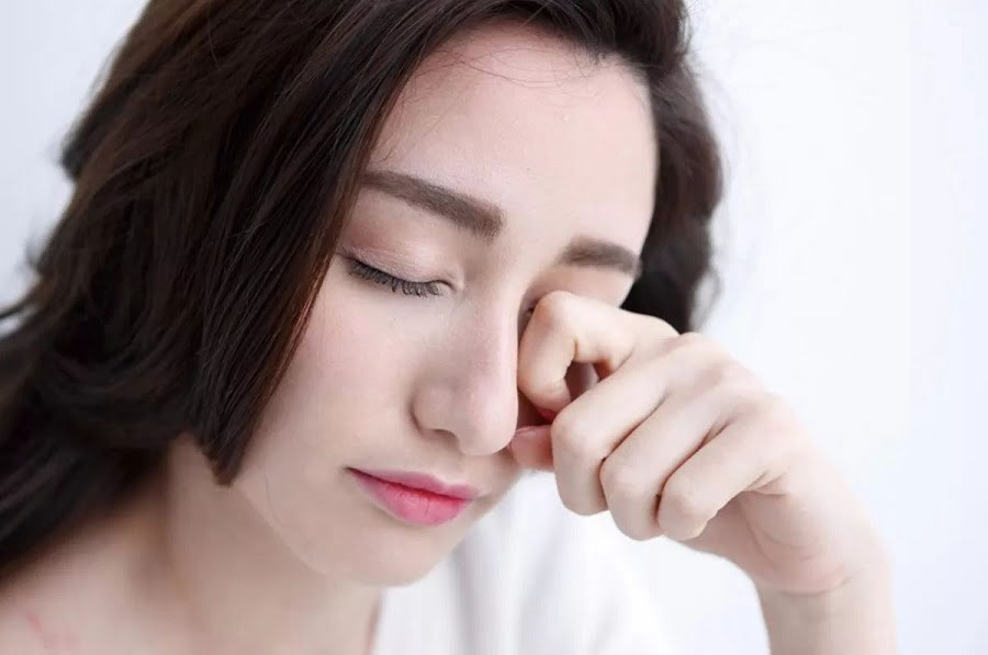 Sụp mí có ảnh hưởng đến thị lực của bạn hay không?