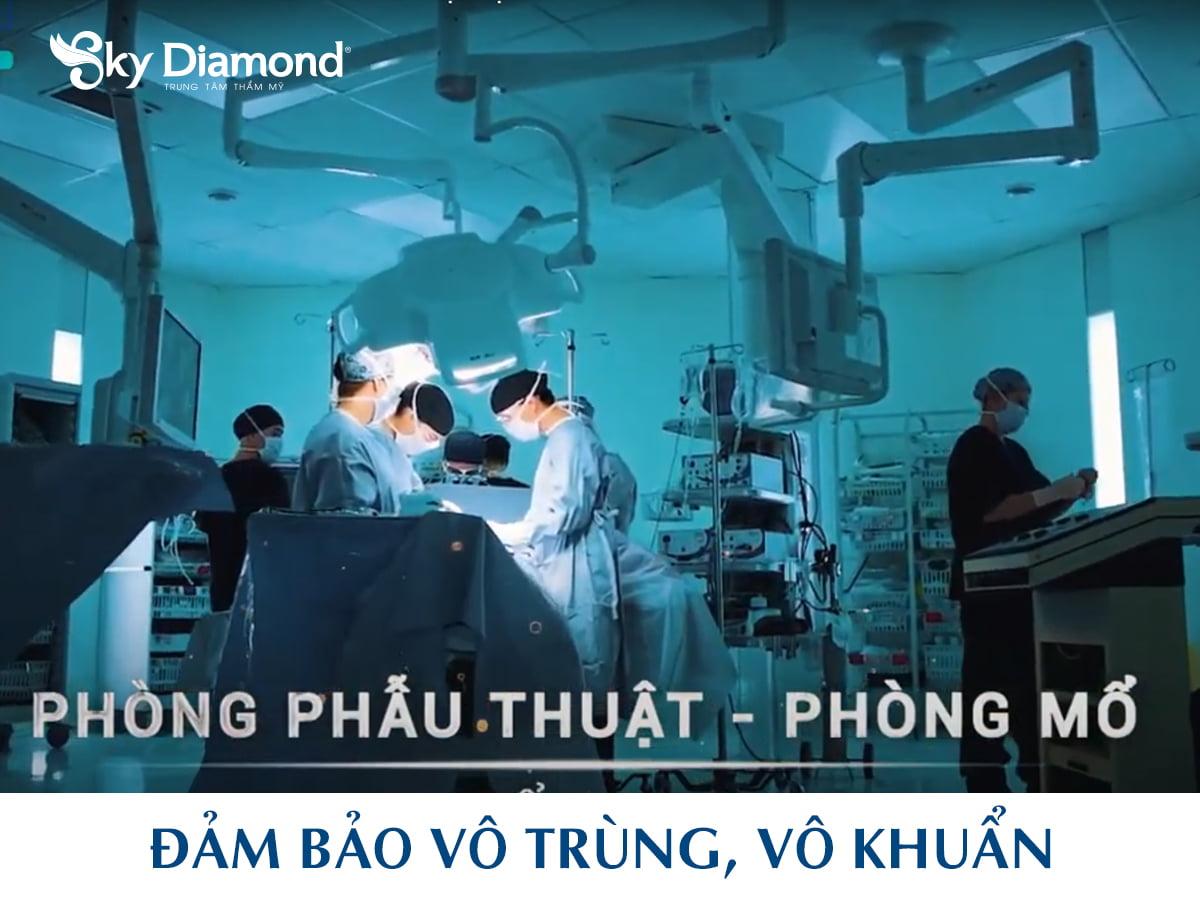 Toa-nha-&-giay-phep-hoat-dong-1200x900
